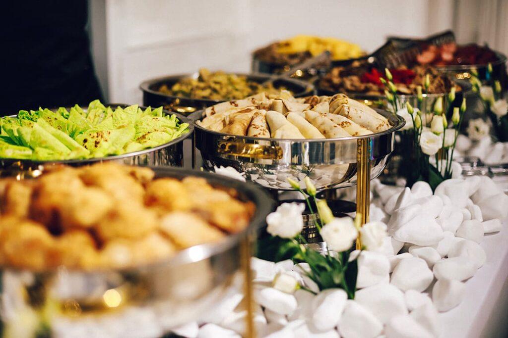 استراتژی شبکه های اجتماعی شبیه انتخاب غذا در مهمانی است
